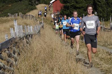 Flere personer som deltar i Birkebeinerløpet