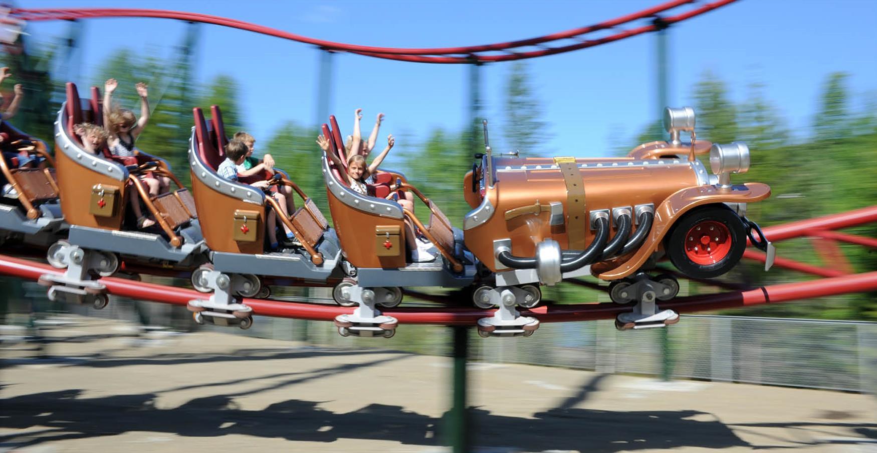 Il Tempo Extra Gigante karusellene i Hunderfossen Familiepark